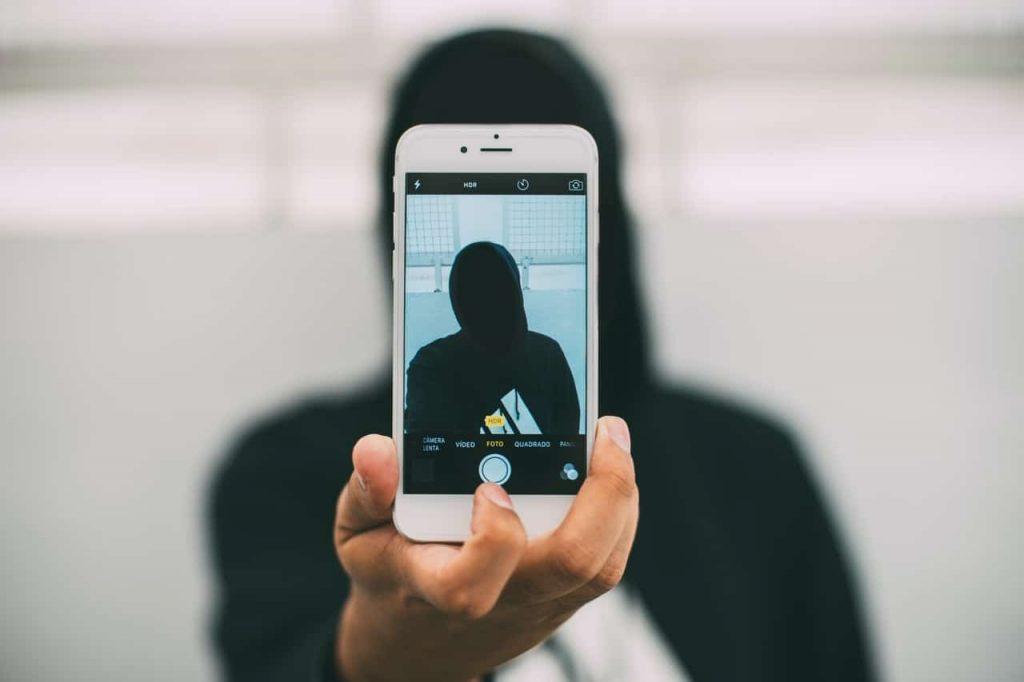 illegal-drug-trade-online-anonymous-deep-net-dark-web-internet-digital-dangers