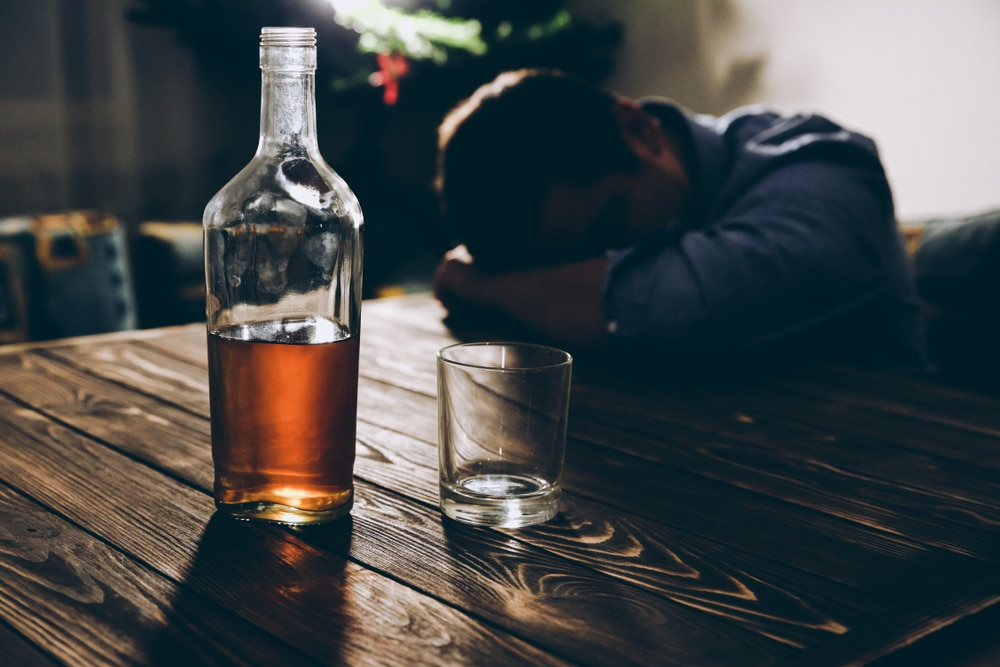 how-to-stop-drinking-too-much-alcohol-during-pandemic-social-isolation-mental-health-awareness