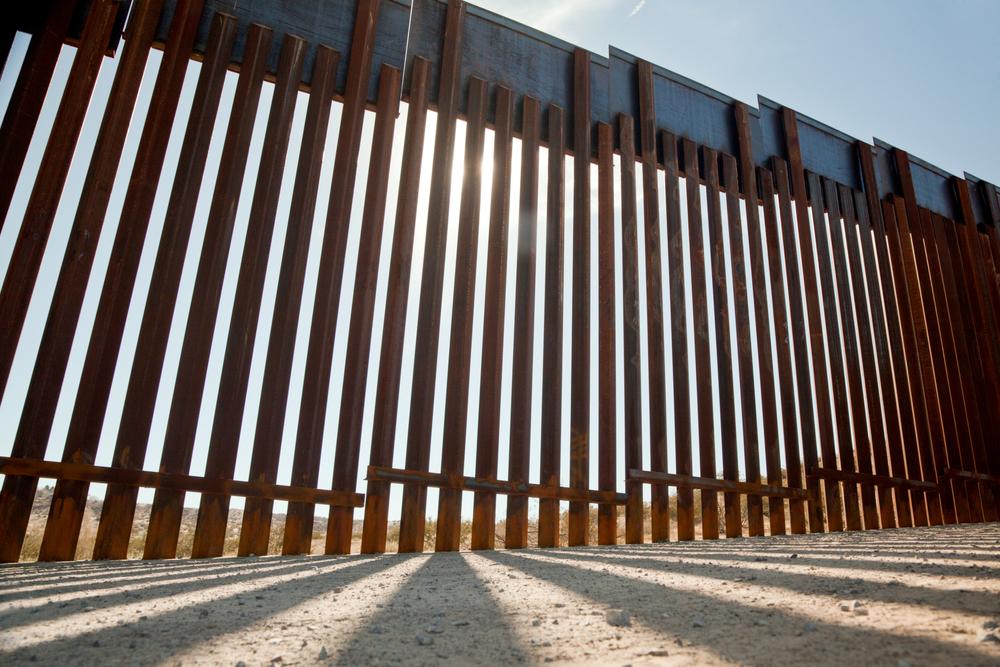 United-States-Mexico-border-wall-patrol-drug-smuggling-human-trafficking-drug-cartels-crime