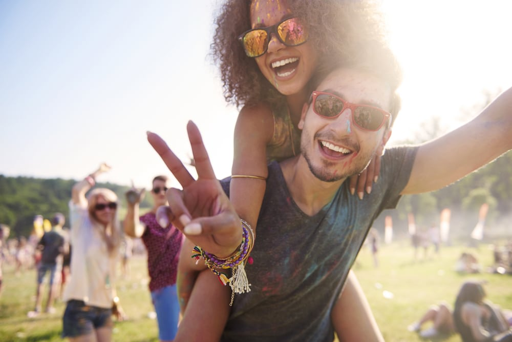 people-use-more-drugs-in-the-summer-parties-music-festival-concerts-raves-teenage-substance-abuse-addiction-treatment-Houston-Texas